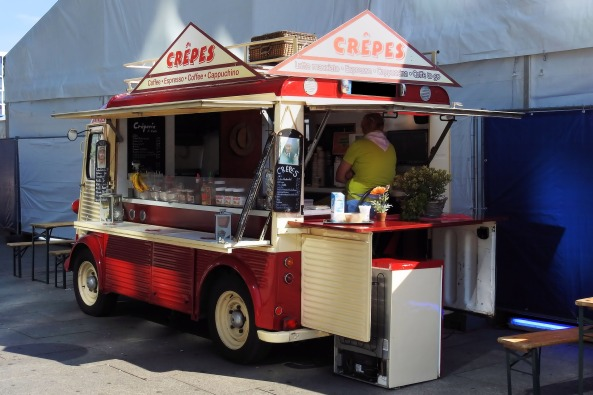 kreatives Sommerfest Foodtruck Crepes