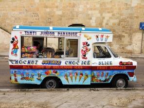 kreatives Sommerfest Foodtruck Eiswagen
